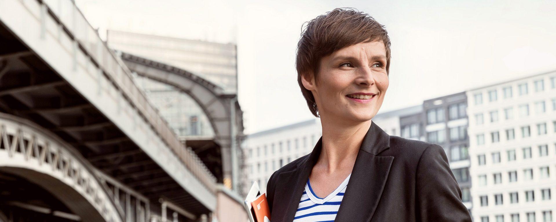 Transdev Berlin Berlin Allemagne Germany femme women woman employé employee